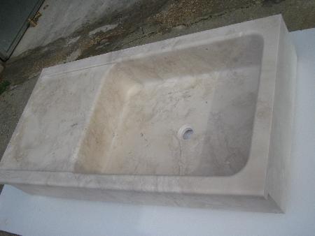 Lavelli in marmo e arredi per cucine in pietra naturale